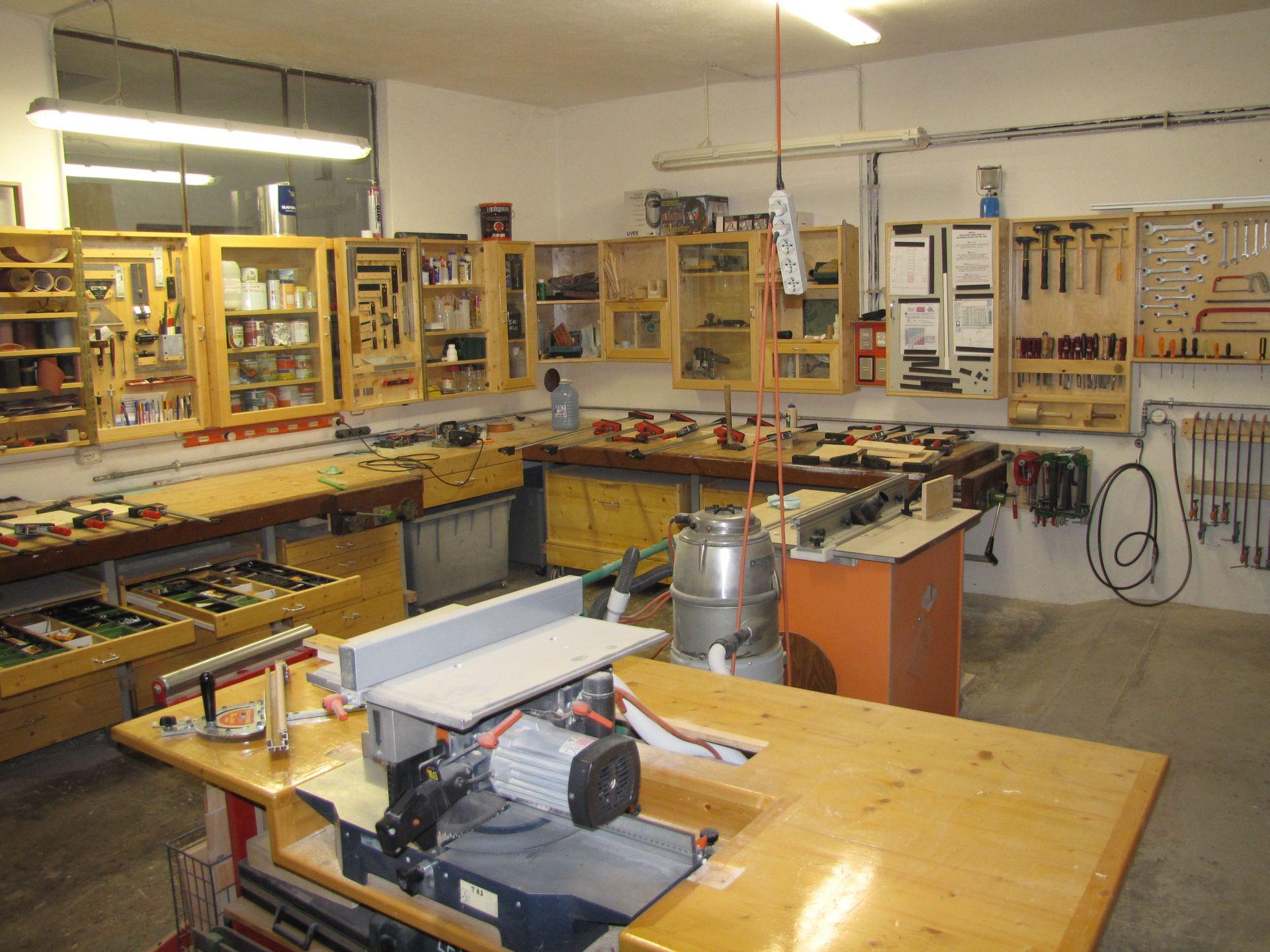 Incontri 13 edoardo pellegrini riccardo lucatti for Laboratorio di garage domestico