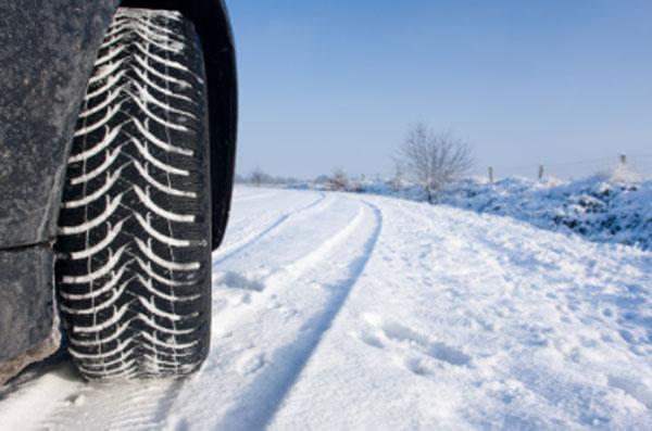 600-guidare sulla neve