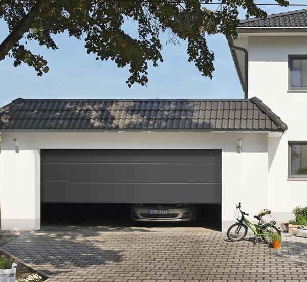 Nuovo portone renomatic 2016 a ha rmann la alta qualita for Prezzi del garage della carrozza