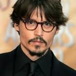 Johnny Depp indossa Oliver Peoples